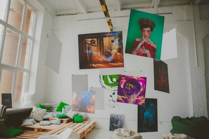 Выставка картин Анны Волковой в Family Tree