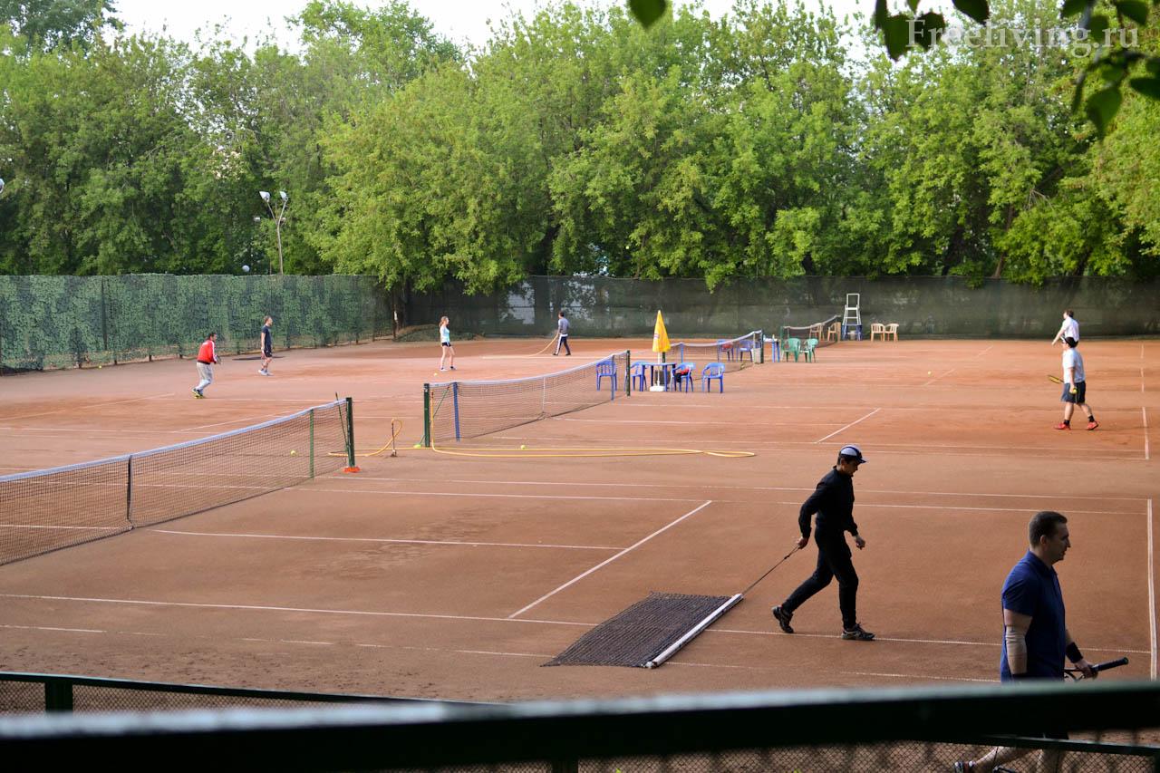 Теннисный корт в Екатерининском парке, Москва