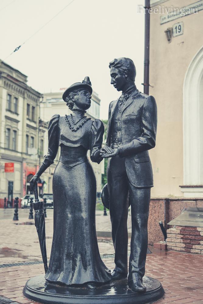 Скульптура Дворянская чета, Большая Покровская улица, Нижний Новгород